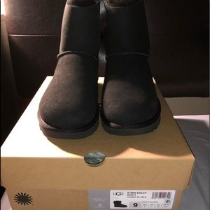 Brand new ugg mini bailey bow boots